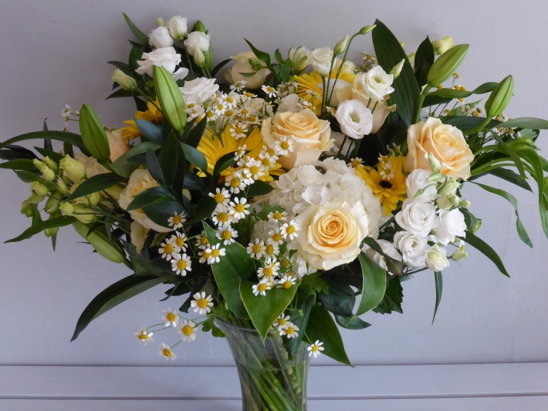 http://www.janwatters.com/shop/bouquets/peaches-and-cream/