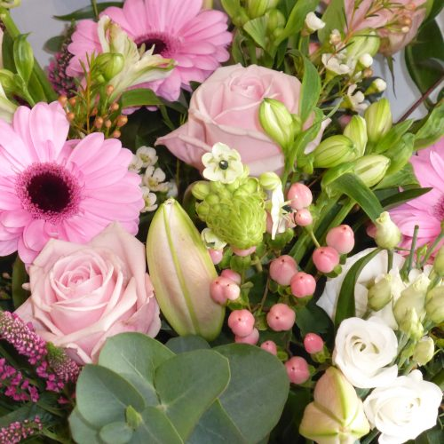 Super Mam Mothers Day Hand Tied Bouquet (3)